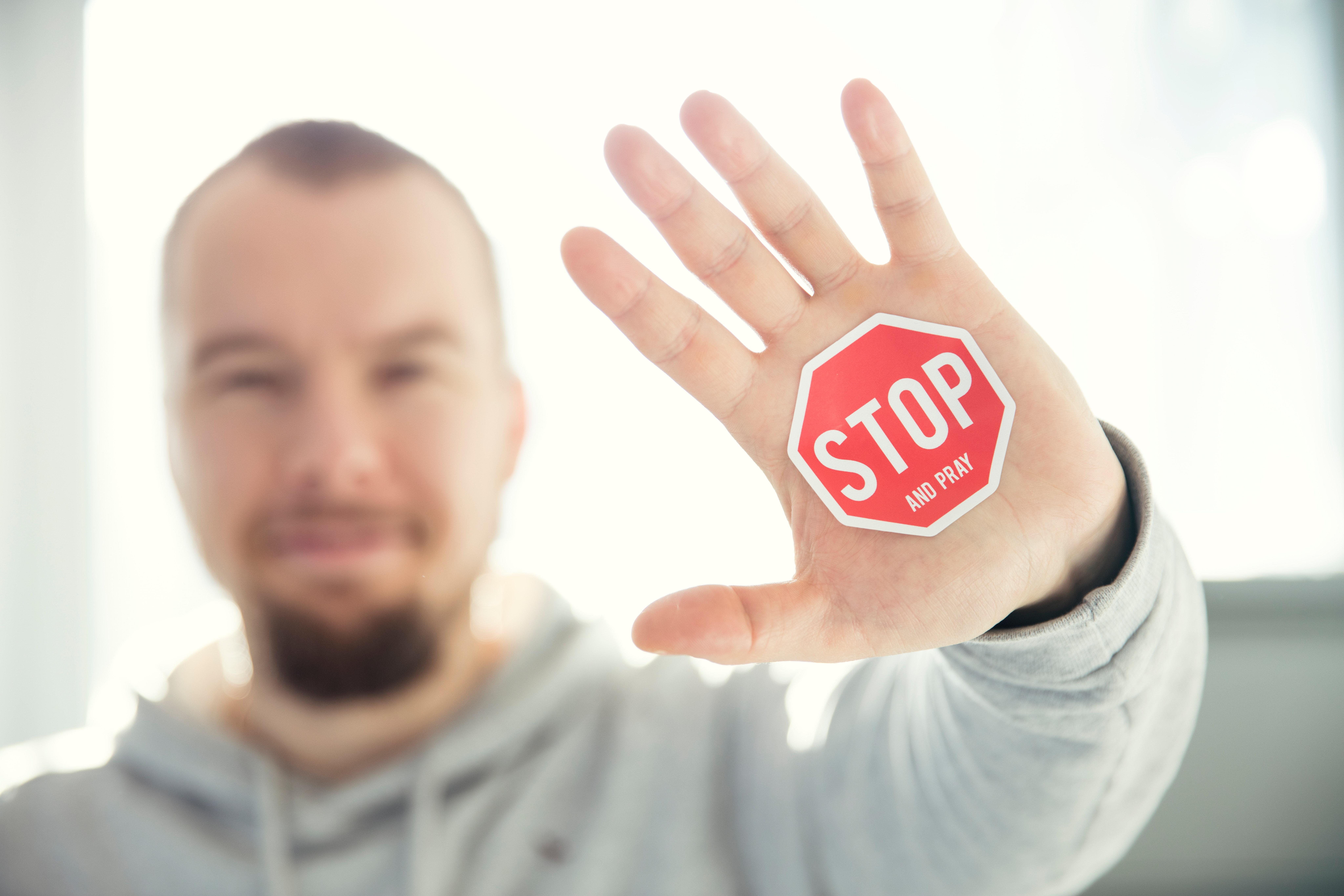 STOPの手文字