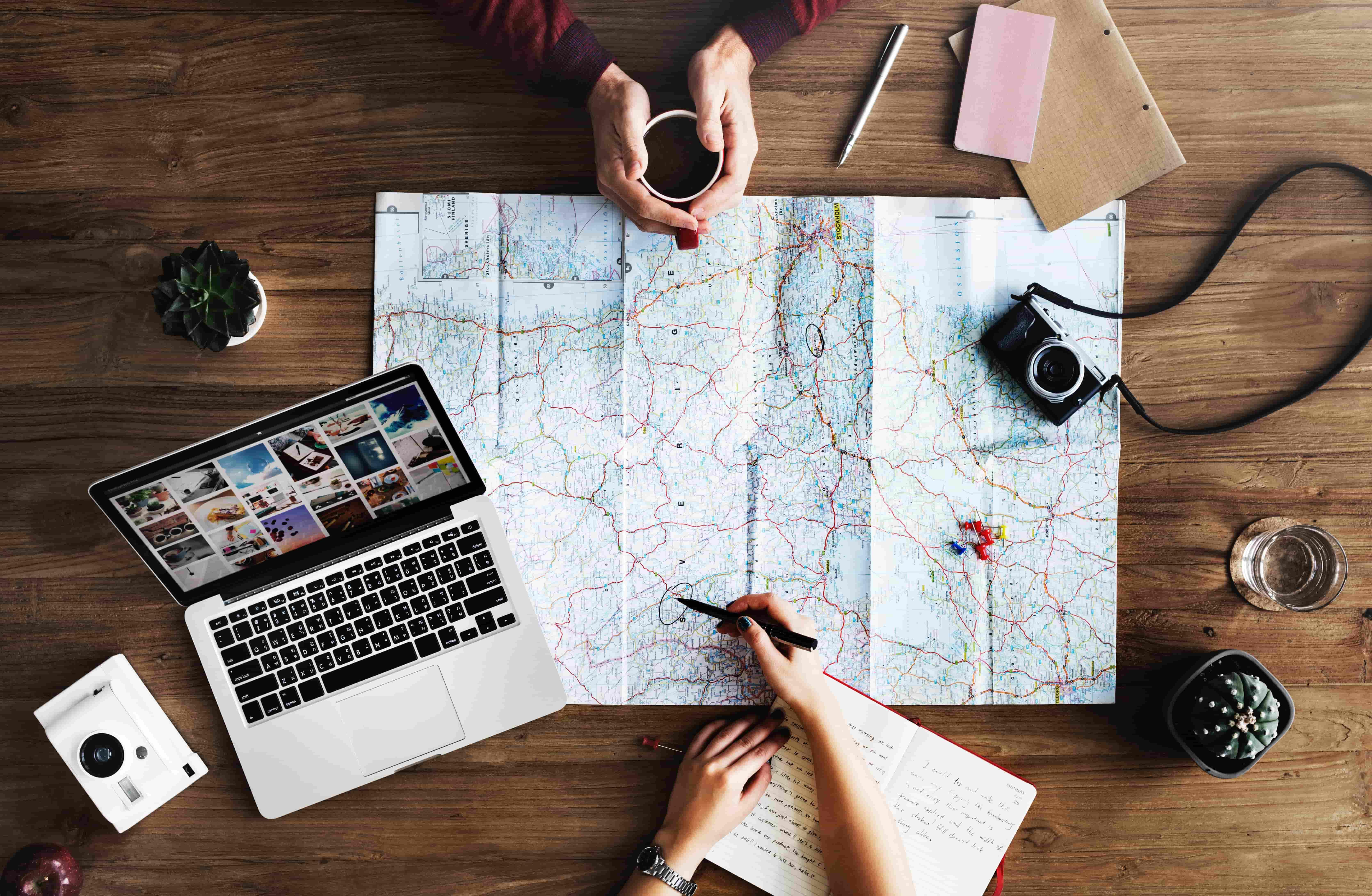 地図とコーヒー